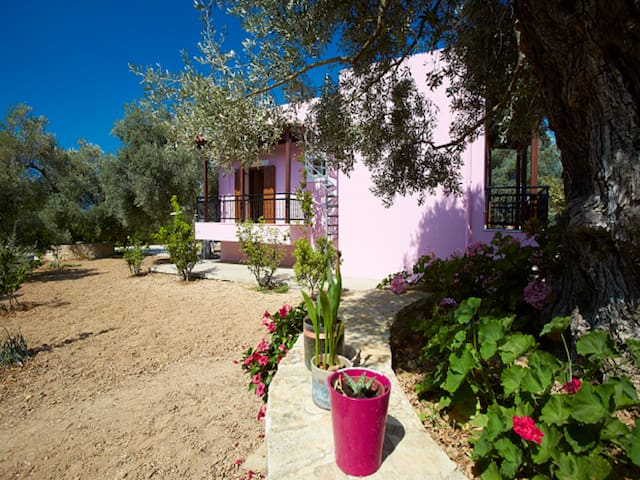 Villa Athina... a jewel of Cretan nature!