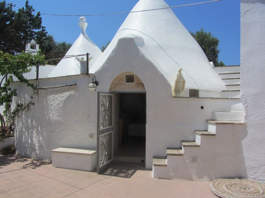 Double bedroom in the Trullo with  ensuite.