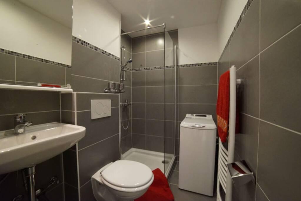 Badezimmer mit Toplader