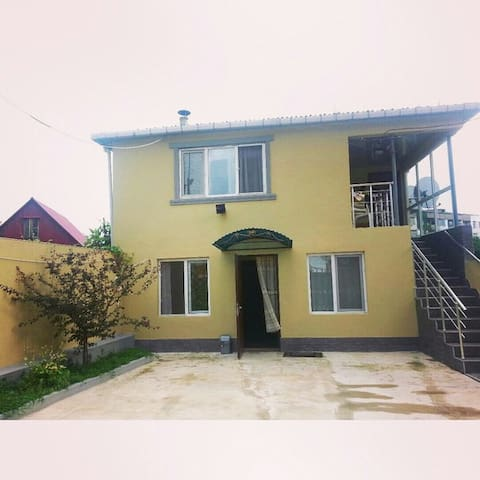 Сдам первый этаж дома - Batumi - Rumah