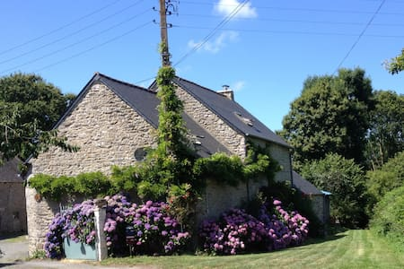 Brittany Cottage - Talo