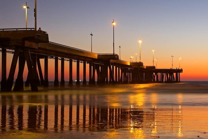 SoCal Lifestyle Pad ~ Walk To Beach ~ Clean & Safe