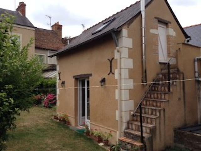 Maisonnette dans jardin calme - Durtal - Maison