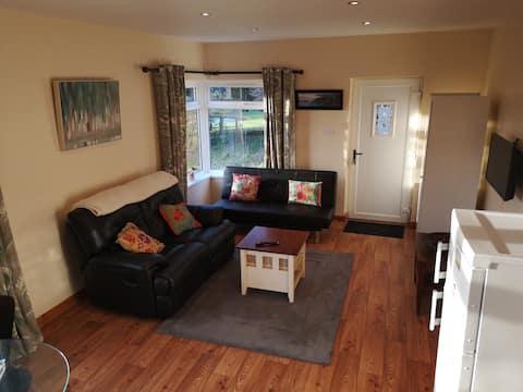 Delightful Ronan Cottage - 2 Bedroom Self Catering