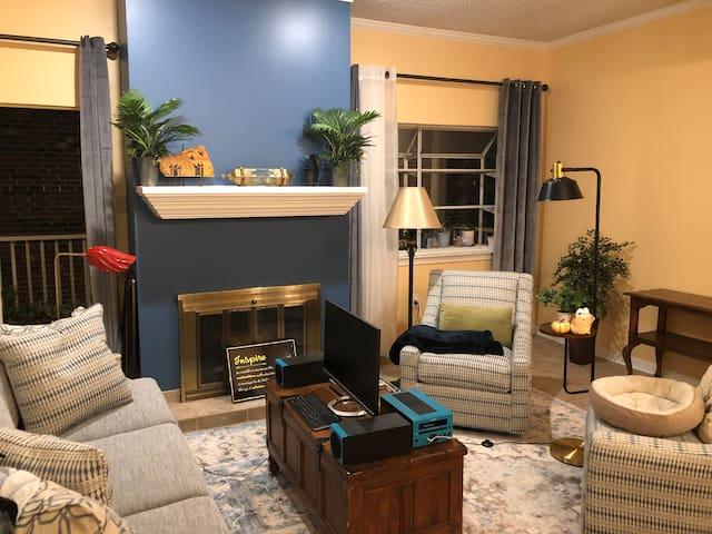 Private Room in Condo-BR