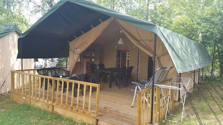 Safari tent op camping in de Franse pyreneeen