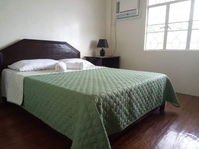 SULYAP SA PAHIYAS Bed and Breakfast Room No 1