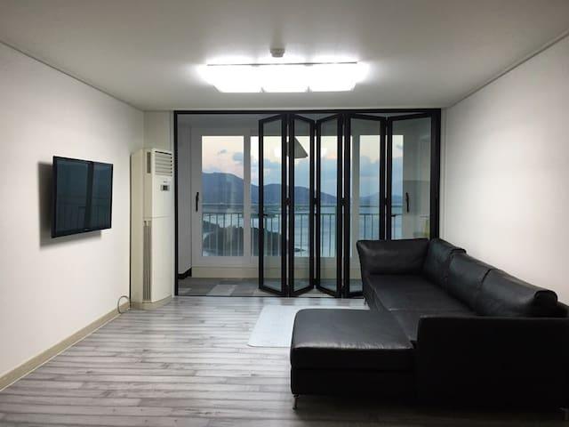 [SALE] 여수 바다와 일출이 한눈에! 깨끗한 모던 아파트 - Yeosu-si - Pis