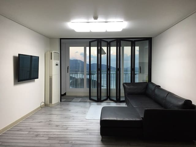 [SALE] 여수 바다와 일출이 한눈에! 깨끗한 모던 아파트 - Yeosu-si - Apartamento