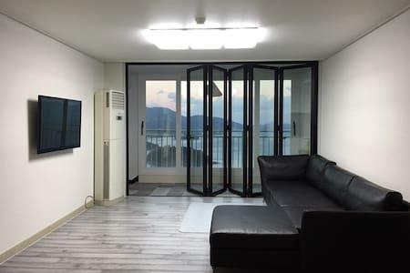[SALE] 여수 바다와 일출이 한눈에! 깨끗한 모던 아파트 - 麗水市 - 公寓