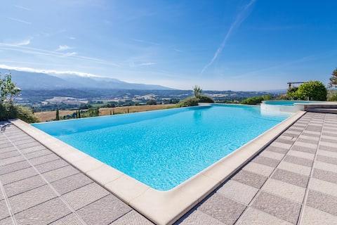 Lejlighed 90 kvm med swimmingpool