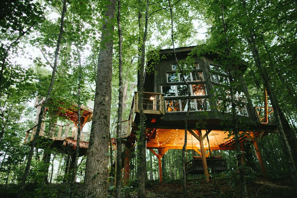 Bolt farm treehouse romantic luxury eco retreat for 8 living room tree houses powys