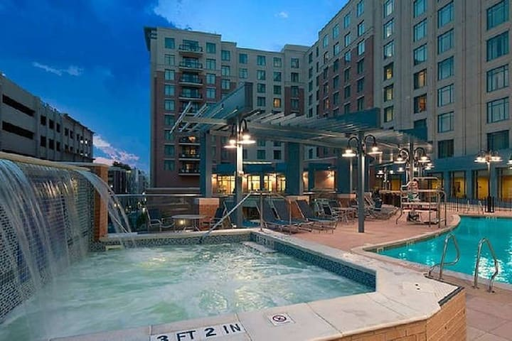 2 BR Deluxe @ Wyndham Nat'l Harbor - MAGFest!!
