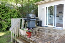Propane BBQ on back deck outside of the kitchen (propane tank provided, not guaranteed to be filled)