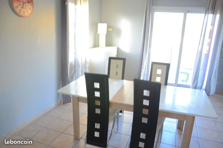 Chambre à louer dans villa de 200 m2