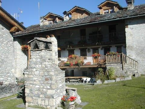 casa in montagna, tanto sole e passeggiate, 1800 m