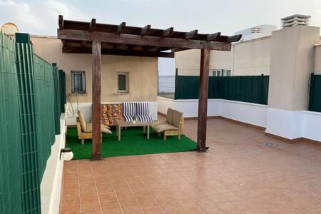 Ático con gran terraza y bonitas vistas