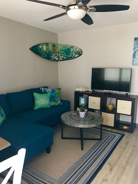 The Surf Shack - 1 Bedroom/ 1 Bath/ 1  Park Stall