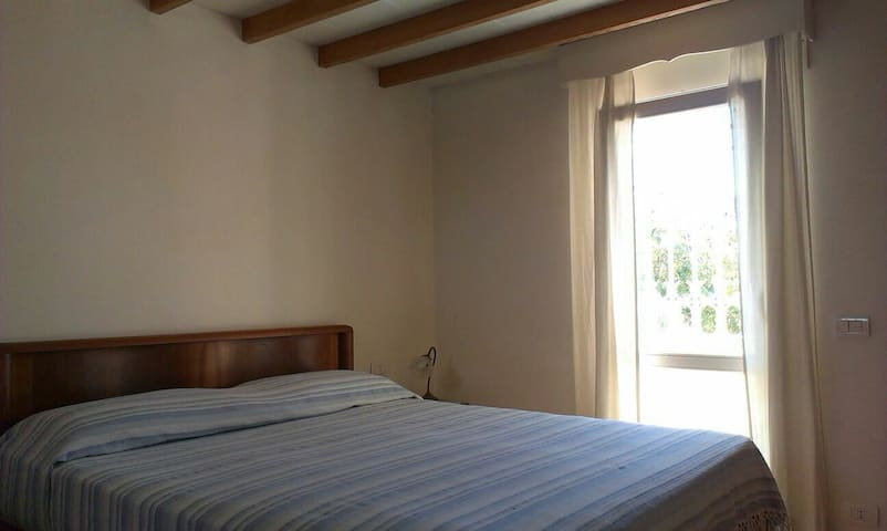 DOUBLE ROOM CLOSE TO AIRPORT - Fiumicino - Talo