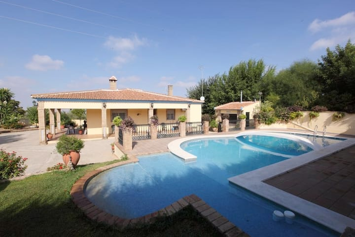 Villa with 4 bedrooms in Sanlúcar la Mayor, with wonderful mountain view, private pool, enclosed garden