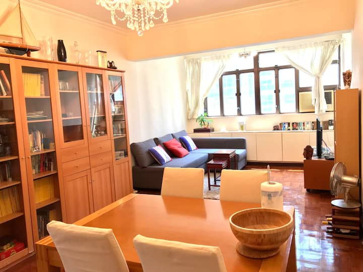 SPACIOUS BEDROOM in Commodious APT , QUARRY BAY