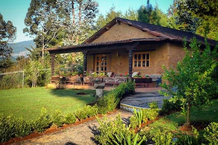 ZIRAHUEN MICHOACAN, beautiful cabin w/LAKE VIEWS