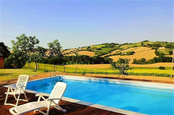 Casale Beatrice - Villa with pool - Mondavio - Casa de campo