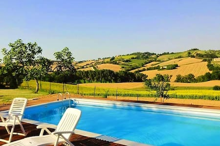 Casale Beatrice - Villa with pool - Mondavio
