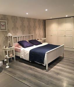 Suite parentale privée sur Lille - Lille - Haus