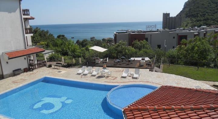 Luxury Apartment - Kavarna Paradise