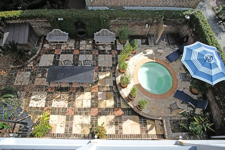 Courtyard With Hot Tub