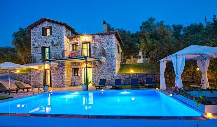 Iremia Villa with stunning sea view & private pool