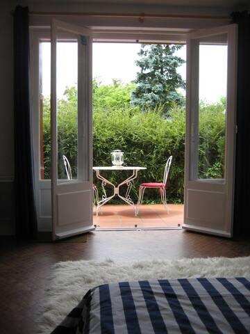 De la chambre à la terrasse privative.