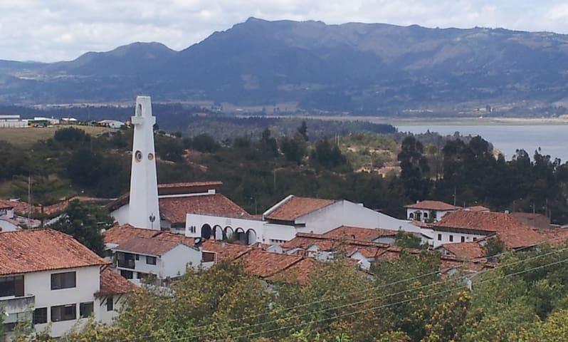 Guatavita, con vista al Lago - Guatavita - บ้าน