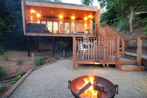 OAKS LODGE: luxury romantic woodland lodge & spa