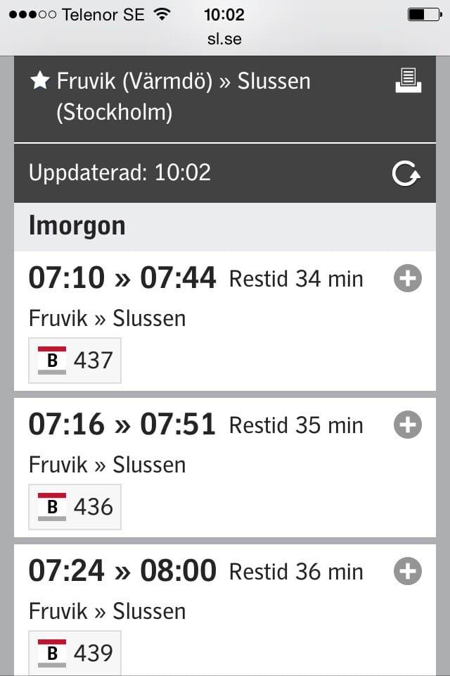 Busshållplats 2 min bort. Bussen går ofta och tar 35-45 min till Slussen i centrala Stockholm.