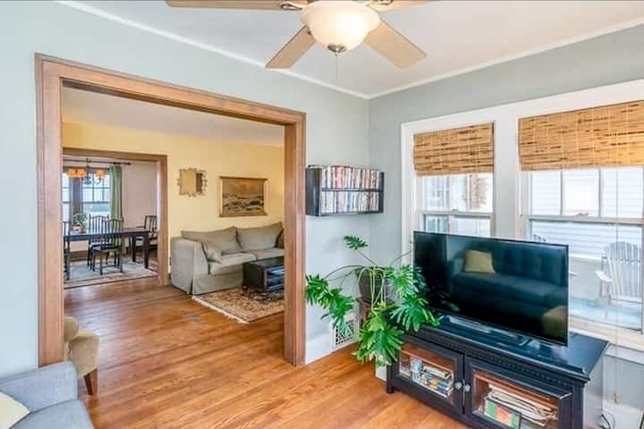 Private Ann Arbor Home - Walk to Stadium/Downtown
