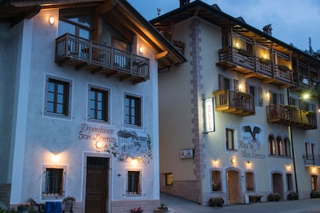 Elegant room for 3 in Trentino - San Lorenzo Dorsino
