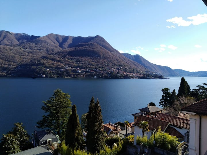 House of roses, house overlooking Como Lake