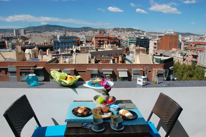 RELAXING BREAKFAST/LUNCH ON THE 20m2 PANORAMIC TERRACE