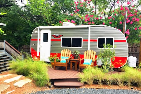 Glamping in the HEART of South Congress! - Austin