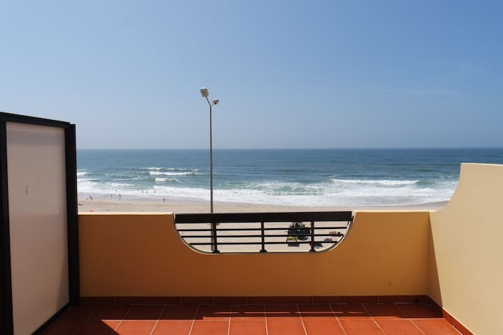Room overlooking the sea - Praia da Leirosa - Casa