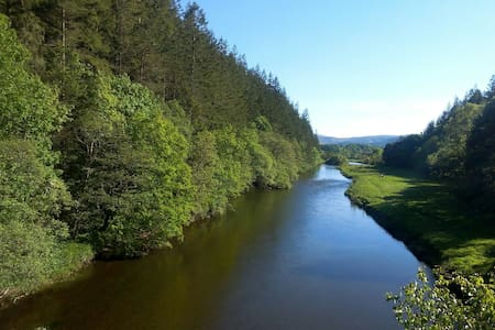 Cosy studio on banks of River Tweed - Peebles