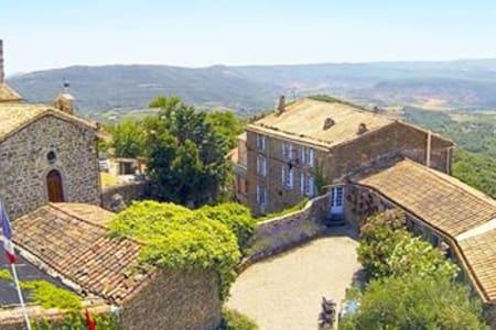 Chateau Olmet Guest House - Lodeve - Olmet-et-Villecun - Bed & Breakfast