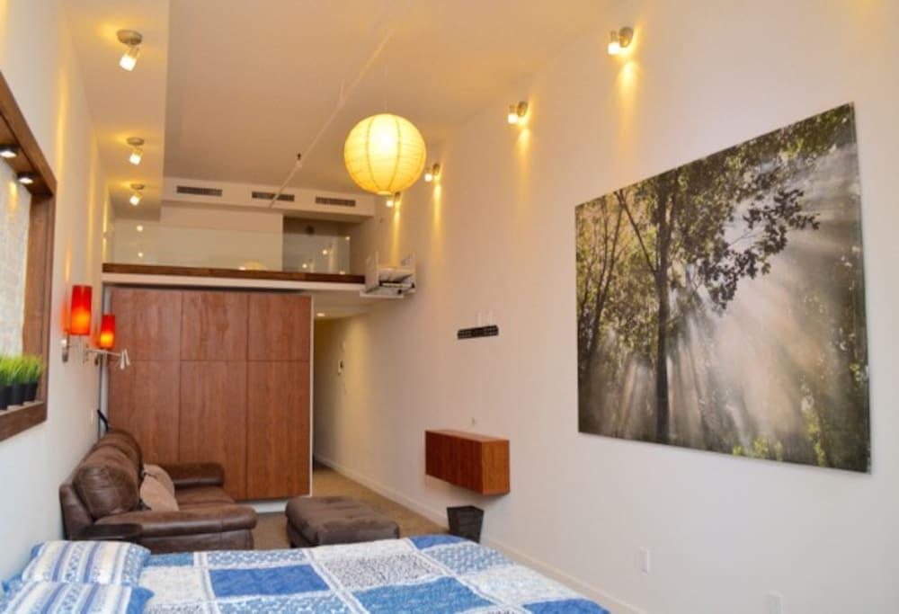 Sleeping area/Living room