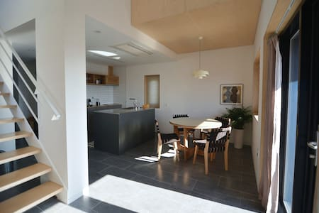 Private rental house w 2 bed rooms
