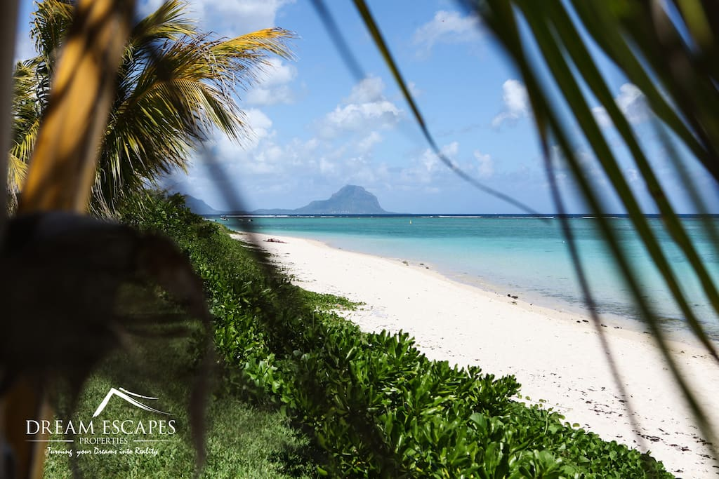 Stunning view on the turquoise lagoon and Le Morne Mountain