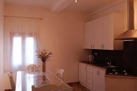 RadiciHouse - Acacia - Torgiano - Bed & Breakfast