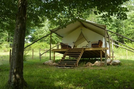 The Lee, glamping tent with deck - Dugspur