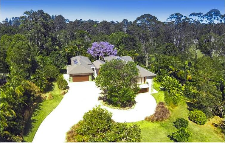 Luxury eco friendly home - Byron Bay - Bed & Breakfast